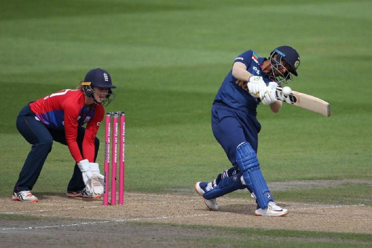 India women against England women in third T20I