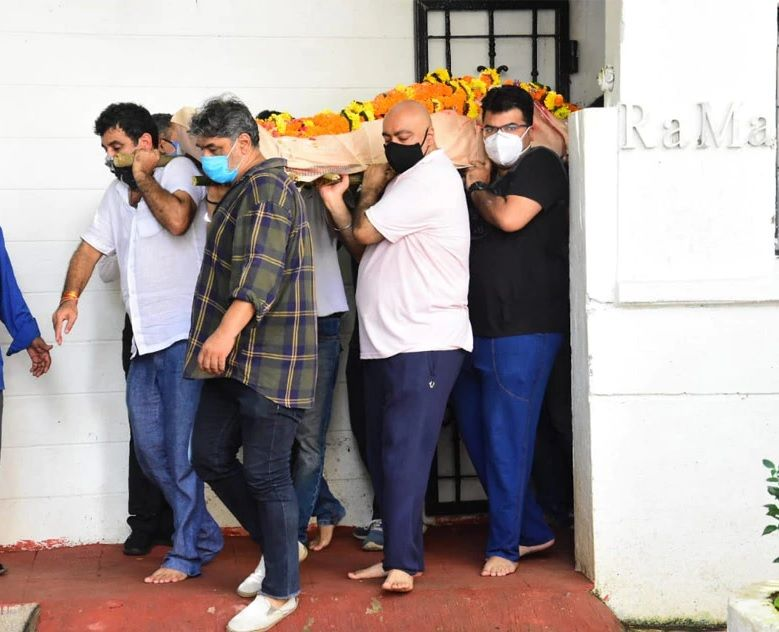 Mandira Bedi in Husband Funeral photos