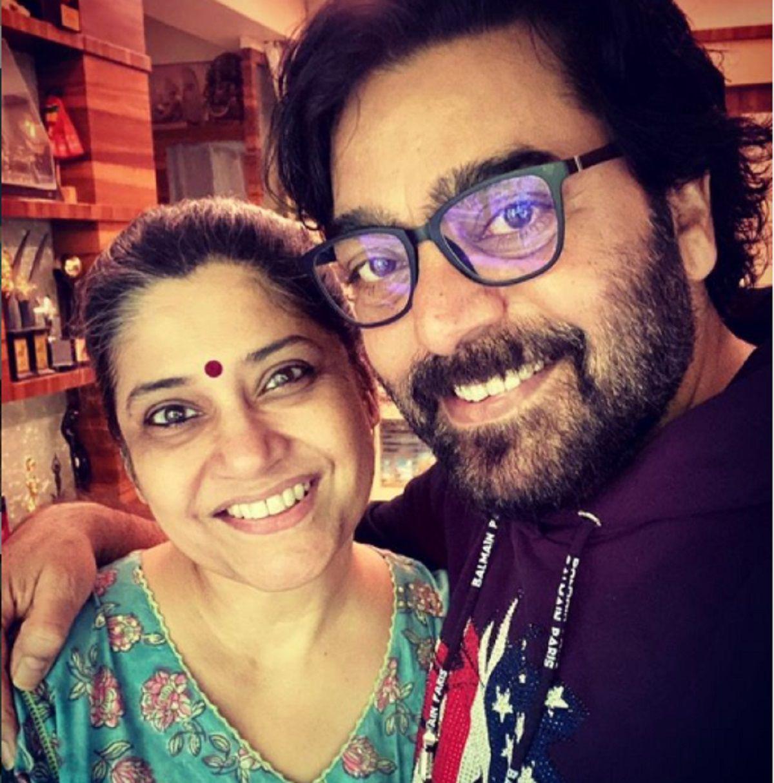 Renuka Shahane and Ashutosh Rana pic