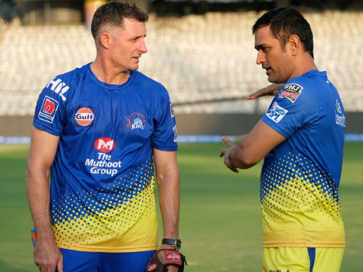 Mike Hussey with MS Dhoni
