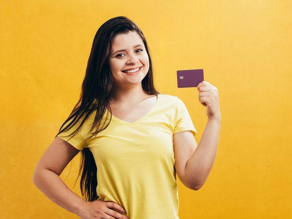 Rewards Credit Card: रिवार्ड्स क्रेडिट कार्ड लेने की सोच रहे हैं? पहले जान लें ये जरूरी बातें