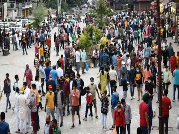 Manali issues strict Covid rules, ₹5,000 fine for not wearing masks