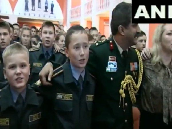 Russian military sings ae watan humko teri kasam