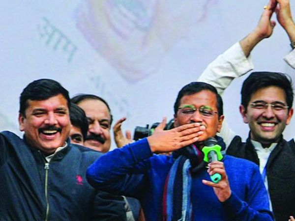 Arvind Kejriwal news style of politics 'Flying Kiss and 'I Love You'