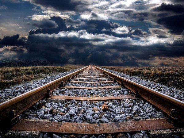 couple suicide on railway track