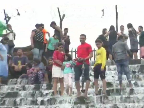 कोविड-19 : मान नहीं रहे लोग, अब लोनावाला में पर्यटकों ने खड़ी की मुसीबत, पुलिस को लेना पड़ा एक्शन