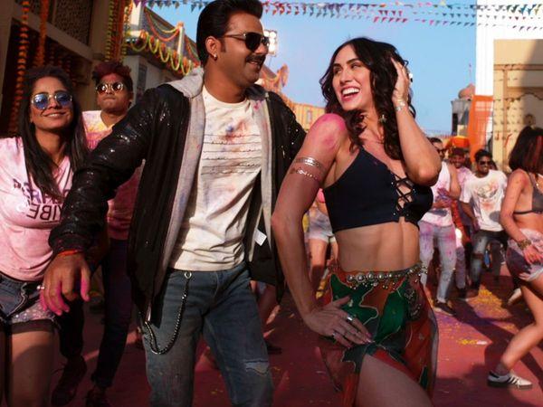 Bhojpuri Star Pawan Singh Hindi New Song Holi Song kamariya hila rahi hai With Jackky Bhagnani Jjust music
