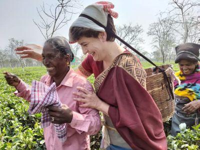 Priyanka Gandhi, असम में कांग्रेस ने खोल दिया वादों का पिटारा, मुफ्त बिजली  समेत प्रियंका गांधी ने कर दी कई बड़ी घोषणाएं Priyanka Gandhi at a rally in  Tezpur Assam 200 units