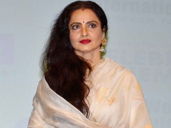 Rekha Security guard staff tests COVID-19 positive Now Veteran actress home quarantine
