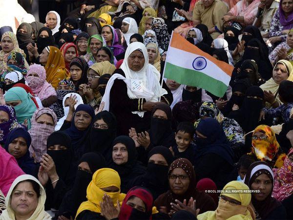 शाहीन बाग के प्रदर्शनकारियों ने खटखटाया सुप्रीम कोर्ट का दरवाजा, पुलिस के एक्शन पर उठाए सवाल