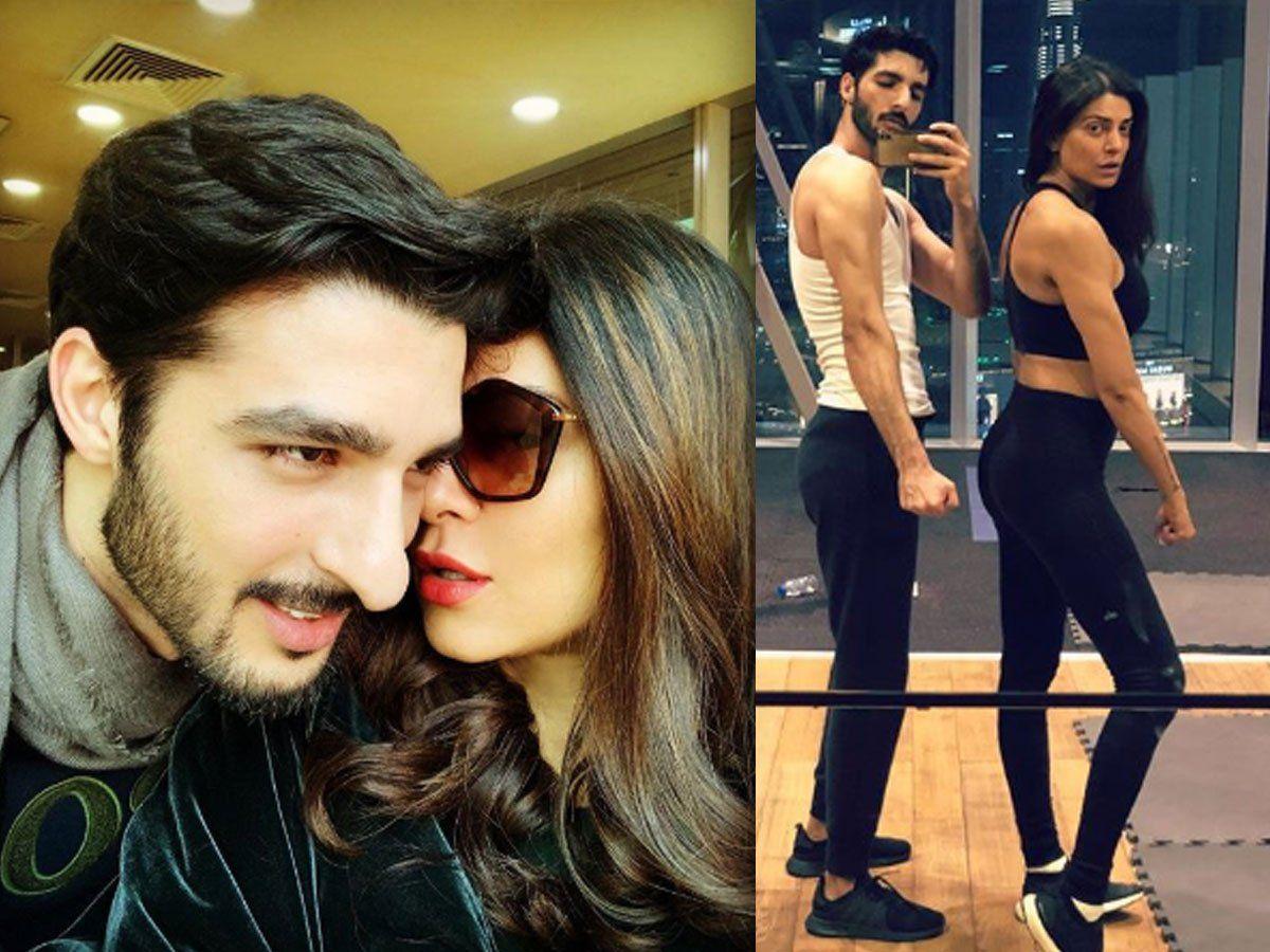 सुष्मिता सेन ने 15 साल छोटे बॉयफ्रेंड संग किया योगा, वीडियो देख हुए फैंस  हैरान, sushmita sen shares yoga video with boyfriend rohman shawl calls him  lucky watch video | Bollywood News