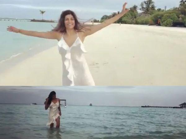 Sushmita sen looks Hot in backless dress Enjoying beach vacation in maldives watch Video