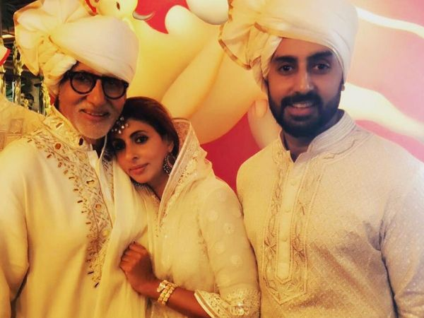 Amitabh bachchan congratulate by son daughter abhishek Bachchan Shweta bachchan For dada shahed phalke Award
